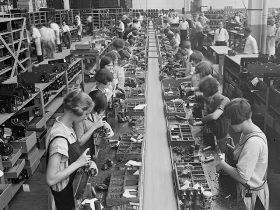 Atwater Kent radio assembly line, Philadelphia, 1925.